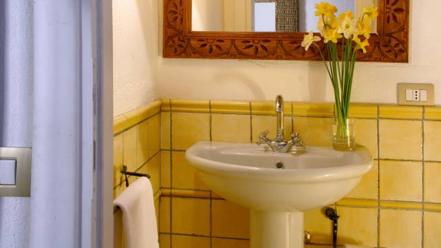 Residenza-Bollo-Apartments-Rome-bathroom-27