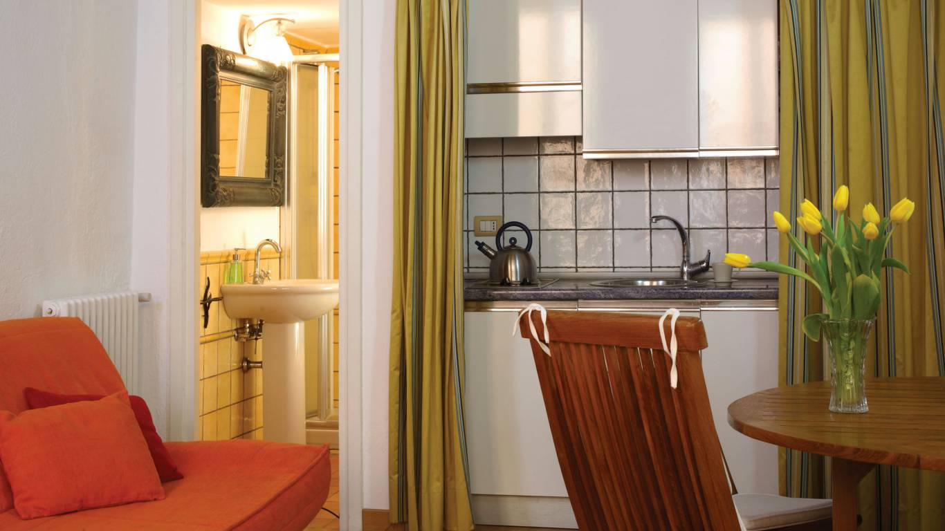Residenza-Bollo-Apartments-Rome-room-13