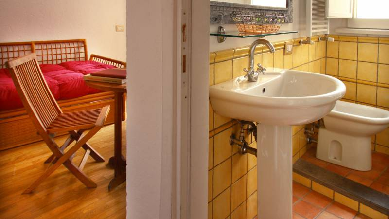 Residenza-Bollo-Apartments-Rome-bathroom-26